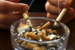 ashtraysmoking0102a